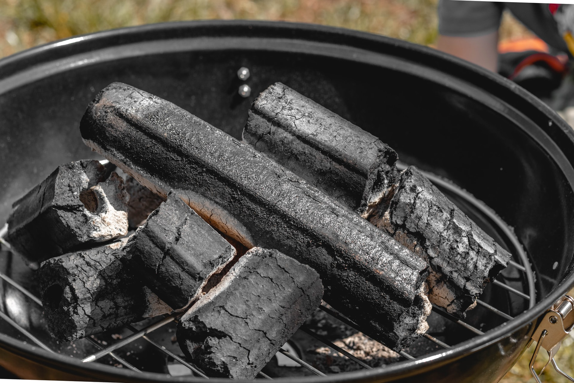 charcoal grill air vents