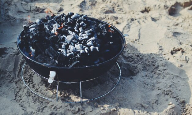 How to Put Out a Charcoal Grill